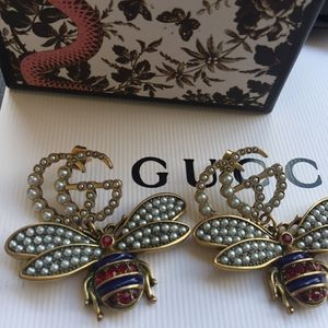 Authentic Gucci Pearl Bee Drop Earrings